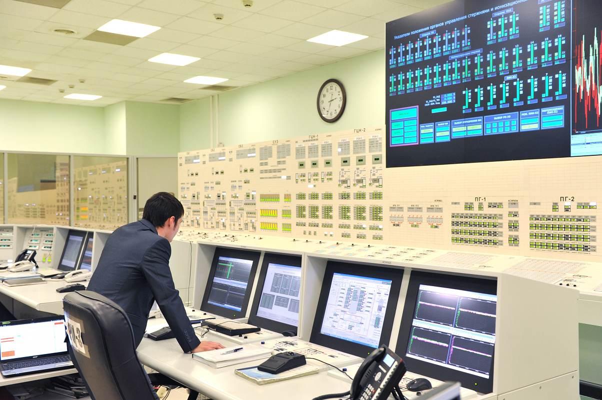 Nejvýkonnější rychlý reaktor BN-800 běží na plný výkon