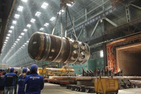 Výměna reaktorové nádoby Běloruské jaderné elektrárny je otázkou veřejného přijetí, tvrdí Rosatom