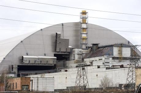 jaderná energie - Inženýři zapouzdřili zbytky havarovaného černobylského reaktoru - Back-end (Chernobyl NSC in place 460 EBRD) 2