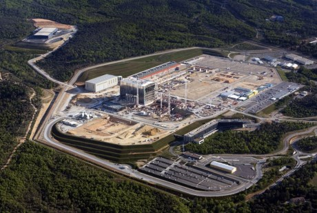 Byl schválen nový harmonogram projektu tokamaku ITER