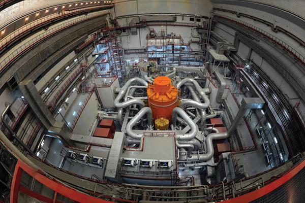 Dlouhá a trnitá cesta ke spuštění reaktoru BN-800