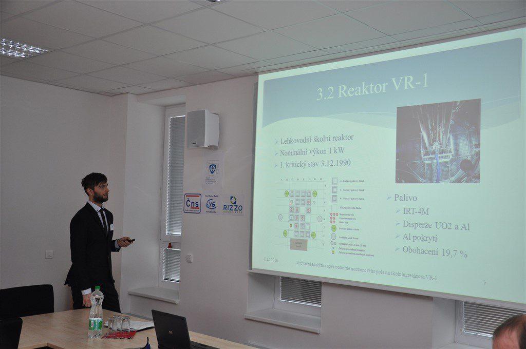 Jan Šturma prezentuje svoji diplomovou práci