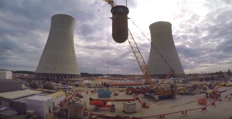 jaderná energie - Dva stavební milníky při výstavbě nových bloků JE Vogtle - Nové bloky ve světě (Vogtle 3 RPV screenshot 2 460) 1