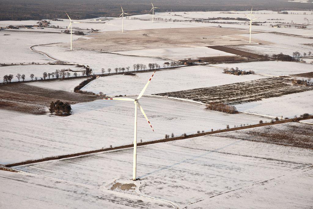 jaderná energie - Větrná energetika má v Polsku na kahánku - Životní prostředí (GF EDPR FOTOG AEREAS Polonia FULLGF EDPR FOTOG AEREAS Polónia FULL 2) 1