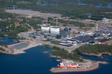 jaderná energie - Likvidaci prvních dvou bloků JE Oskarshamn provede společnost GE Hitachi - Ve světě (Oskarshamn 1 and 2 aerial 460 OKG) 1