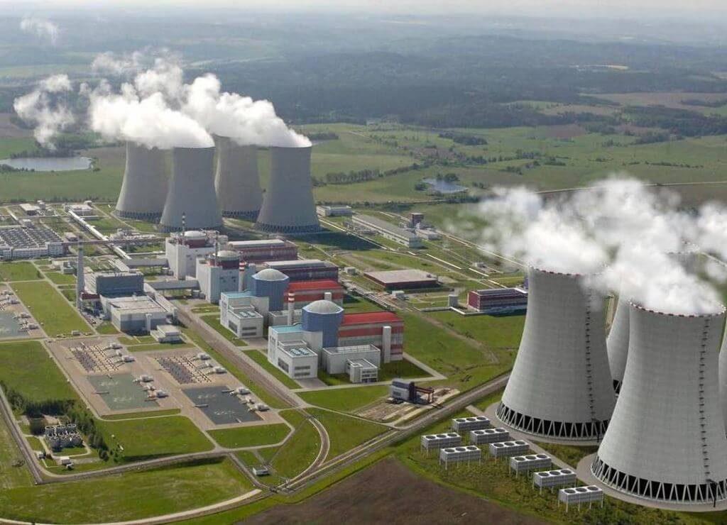 jaderná energie - Právo: Odstávka druhého bloku potrvá v Temelíně do srpna - V Česku (Vizualizace nových bloků JE Temelín. Zdroj ČEZ) 1