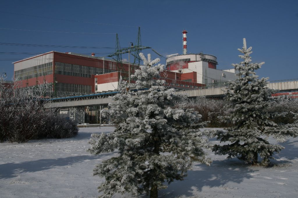 jaderná energie - JE Temelín vyrobila v lednu rekordních 1,6 TWh elektřiny - V Česku (05 temelin) 2