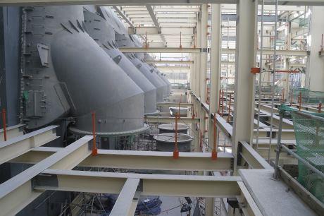 jaderná energie - Na čtvrtém bloku JE Barakah byl instalován kondenzátor - Nové bloky ve světě (Barakah 4 condenser 460 small file) 3