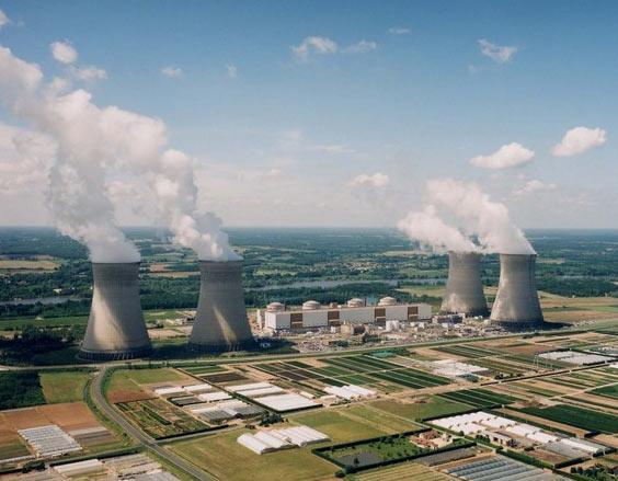 jaderná energie - EDF obhajuje své plány na vyřazování jaderných reaktorů z provozu - Ve světě (Dampierre en Burly1 fullscreen) 1