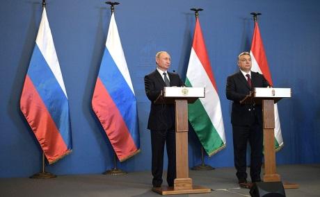 jaderná energie - Putin: Rusko je připraveno financovat celý projekt JE Pakš II - Nové bloky ve světě (Putin and Orban February 2017 460 Kremlin) 2