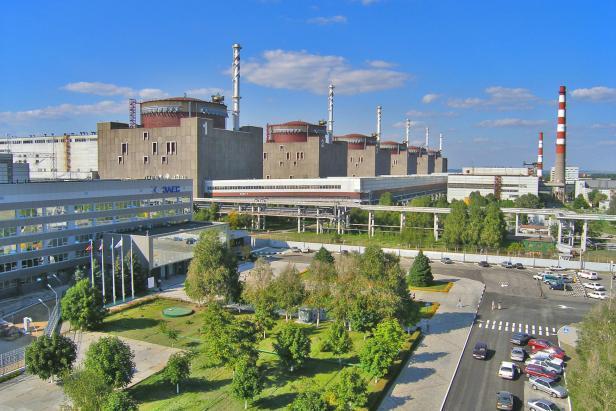 jaderná energie - Porošenko: Ukrajina navyšuje podíl jádra k 60 % - Ve světě (zaporozi) 1