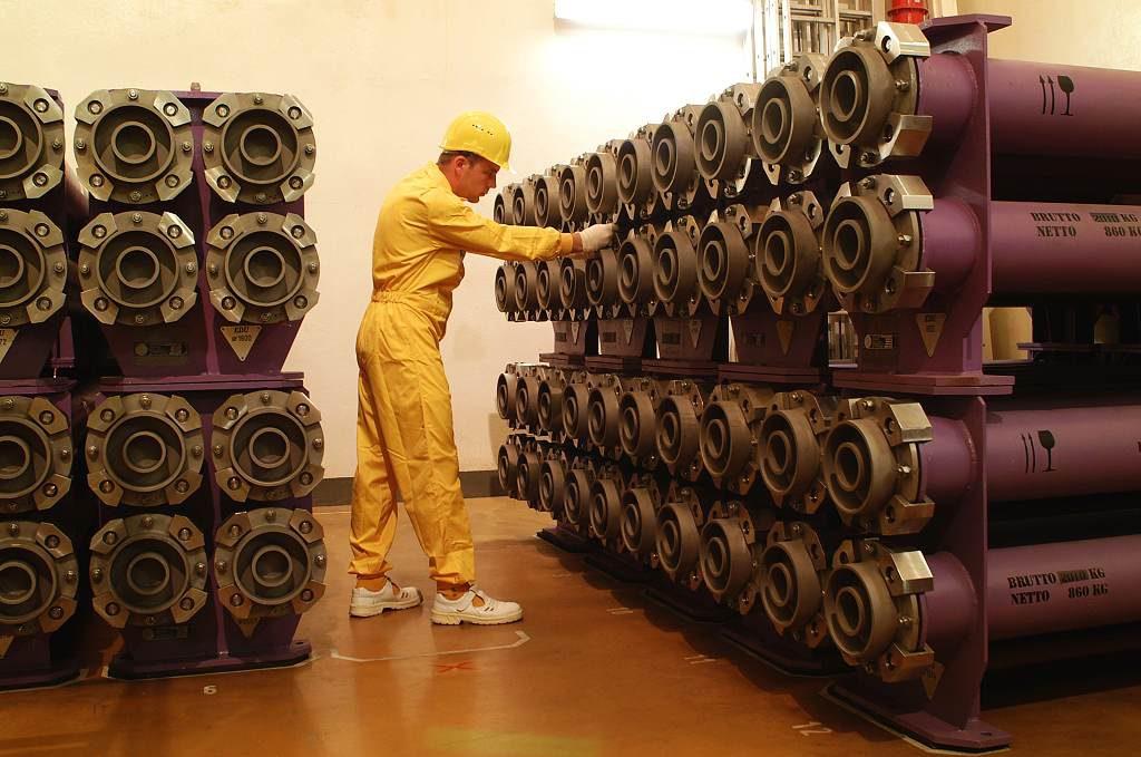 jaderná energie - Temelín dokončil návoz jaderného paliva pro druhý blok - V Česku (00020 Jaderná elektrárna Dukovany interier 1024) 1