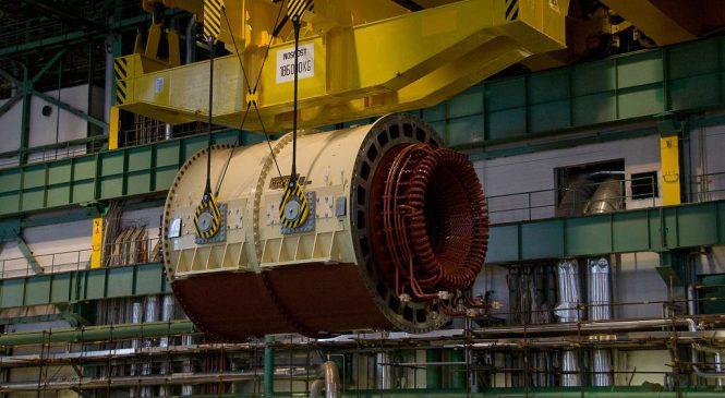 iDnes: VIDEO: Obří stator vyrazil po kontrole z Plzně do dukovanské elektrárny