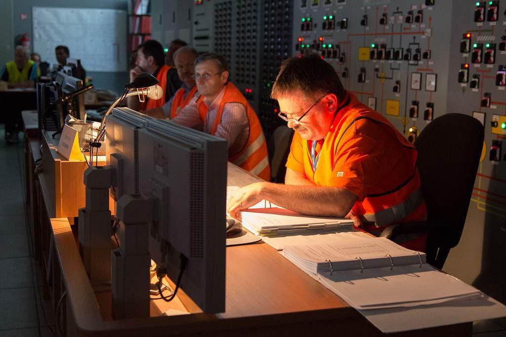 jaderná energie - Temelín při cvičení zkusil, jak dostat do krytů 833 zaměstnanců - V Česku (S13 3687 1024) 1