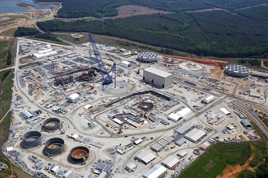 jaderná energie - Westinghouse požádal o bankrotovou ochranu před věřiteli - Ve světě (VC Summer 2 and 3 Aerial May 2014 HRES 1024) 1