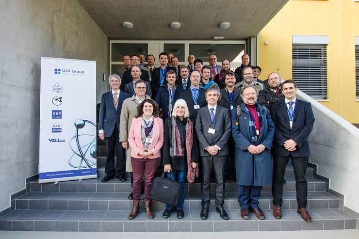 jaderná energie - Rakouská delegace v ÚJV Řež jednala o svědečném programu tlakové nádoby JE Temelín - V Česku (csm REZ 2232upr c15e778a1d 740) 2