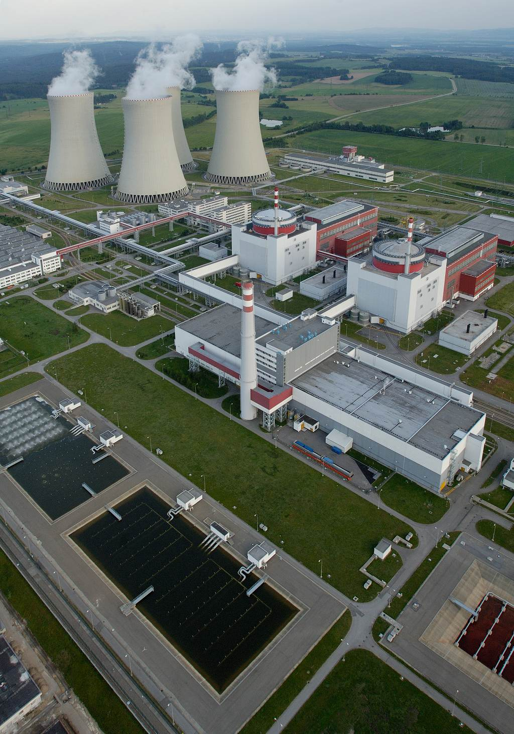 jaderná energie - Dubnové teploty kolem nuly Temelínu svědčí - V Česku (19 1024) 3