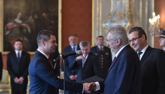 Nový ministr průmyslu a obchodu Jiří Havlíček se ujal úřadu