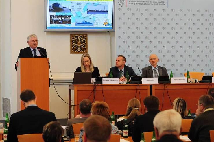 jaderná energie - Zničením chemických zbraní naše práce nekončí - V Česku (csm konference Umluva zakaz chem zbrani 75385b5ebb 740) 2
