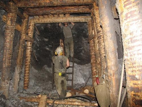jaderná energie - V dole Rožná byl vytěžen poslední vůz uranové rudy - V Česku (user 67 gea003 3) 4