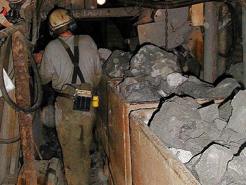 jaderná energie - V dole Rožná byl vytěžen poslední vůz uranové rudy - V Česku (user 67 geam10013 3) 3