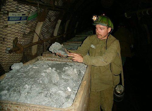 V dole Rožná byl vytěžen poslední vůz uranové rudy