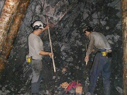 jaderná energie - V dole Rožná byl vytěžen poslední vůz uranové rudy - V Česku (user 67 geam1009 9) 5
