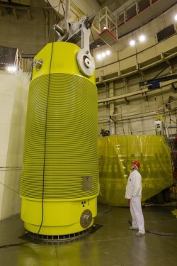 jaderná energie - Rusko plánuje začít využívat nové kontejnery TUK-1410 pro použité jaderné palivo - Ve světě (TUK 1410 cask 250 FCNRS) 1
