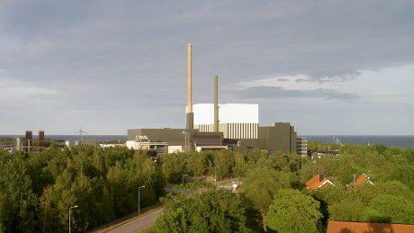 jaderná energie - První blok JE Oskarshamn byl trvale odstaven - Ve světě (1200px Oskarshamns kärnkraftverk) 1
