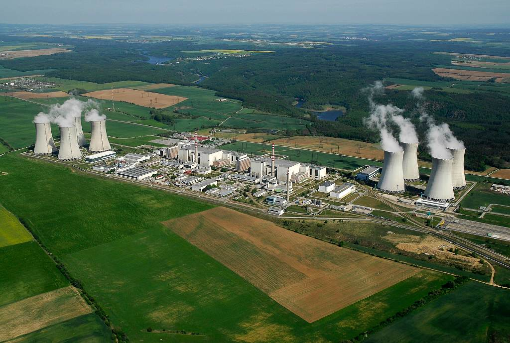 jaderná energie - Prezident bude v Dukovanech diskutovat o budoucnosti jaderné elektrárny - Nové bloky v ČR (DSC0070 a 1024) 2