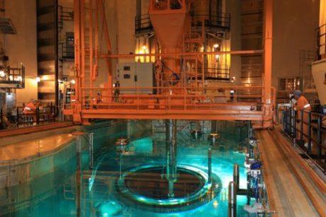 jaderná energie - Na čtvrtém bloku JE Fu-čching probíhá zakládání paliva - Nové bloky ve světě (Fuqing 4 fuel loading 460 CNNC) 1