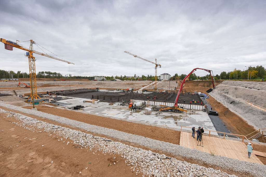 jaderná energie - Česko, Slovensko, Maďarsko a Polsko se zúčastní projektu reaktoru MBIR - Inovativní reaktory (MBIR prvni beton 1024) 2