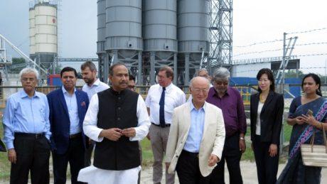 jaderná energie - V JE Rooppur byl učiněn značný pokrok, uvedl vedoucí agentury MAAE - Nové bloky ve světě (Amano at Rooppur July 2017 460 S Kamishima IAEA) 1