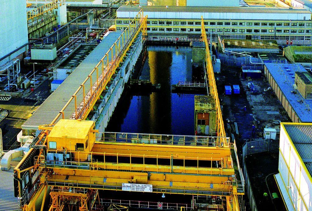 jaderná energie - blisty.cz: Británie vyhrožuje, že vrátí do Evropy vyhořelý jaderný materiál - Palivový cyklus (PFSP4) 1
