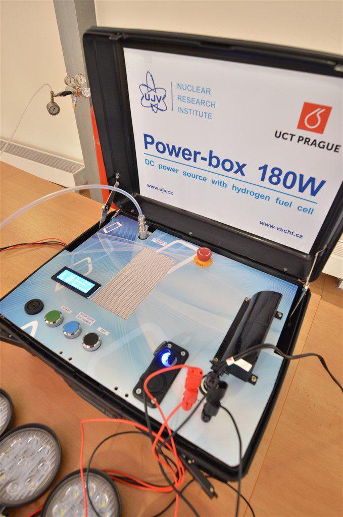 """jaderná energie - Vodíková """"power banka"""" není sci-fi - Věda a jádro (REZ pover box 02 web) 2"""