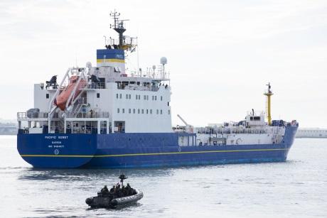 jaderná energie - Zásilka paliva MOX opustila Francii a míří do Japonska - Ve světě (Sixth MOX shipment France Japan 460 Cedric Helsly Areva) 2