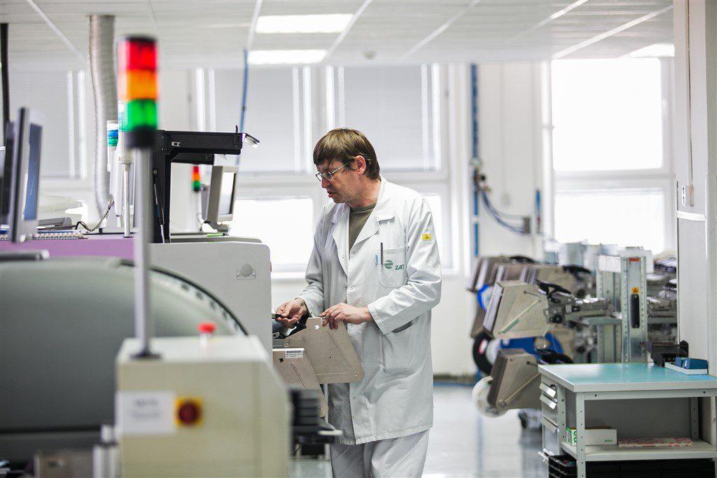 jaderná energie - ZAT, český výrobce řídicích systémů pro energetiku a průmysl, dosáhl rekordních tržeb - Zprávy (ZAT výroba) 2