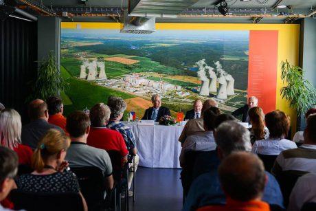 jaderná energie - Projev prezidenta republiky při tiskové konferenci k ukončení návštěvy Kraje Vysočina - Nové bloky v ČR (dsc 4501 1024) 1