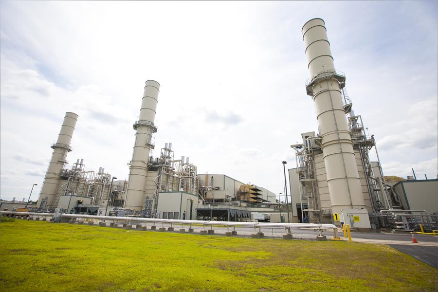 jaderná energie - investicniweb.cz: Uhelné a jaderné elektrárny v USA čelí konkurenci levného plynu - Zprávy (Lake Road Combined Cycle Power Plant USA Alstom2) 1