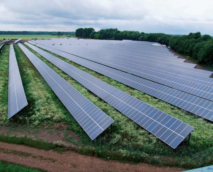 jaderná energie - euro.cz: V létě stejně jako v zimě. Rakousko je na hraně blackoutu - Ve světě (solarni panely pole jpg 4c403a94a6) 2