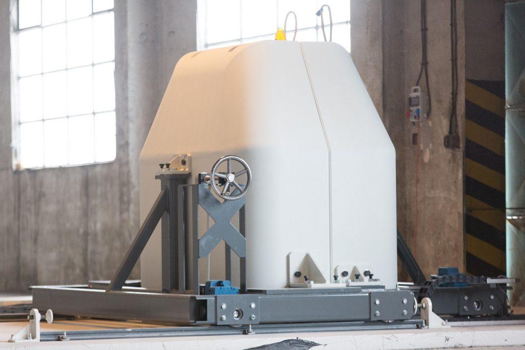 jaderná energie - Největší neutronový zdroj na světě využije český patent. Třebíčská NUVIA podepsala další smlouvu za 100 milionů korun - Zprávy (stínicí sarkofág cyklotronu na výrobu radiofarmak 3) 1