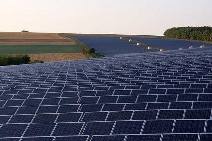 jaderná energie - hybrid.cz: Svět se může zbavit závislosti na spalování uhlí a ropy - Ve světě (12961v16 Solarpark Thungen 020) 1