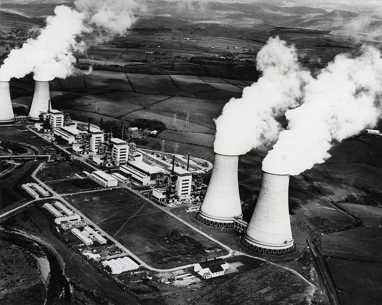 jaderná energie - osel.cz: Současný stav a budoucnost jaderné energetiky - Ve světě (2prvni komercni elektrarnou byla calder hall ve velke britanii) 2