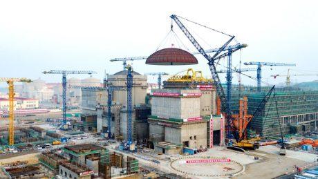 jaderná energie - Šestý blok JE Chung-jen-che byl uzavřen kupolí - Nové bloky ve světě (Hongyanhe 6 dome installation 460 SNPTC) 1