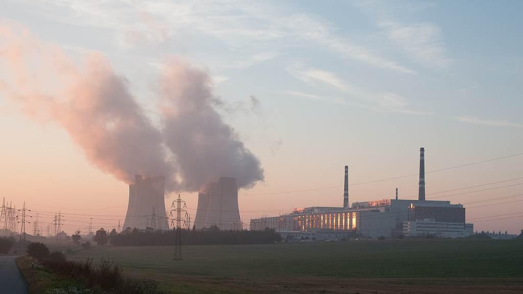 jaderná energie - MF Dnes: Dukovany jsou pro ČSSD prioritou - Nové bloky v ČR (JAS 2231 1024) 3