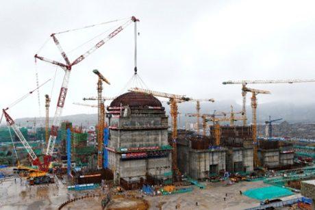 jaderná energie - Hlavní stavební práce na pátého bloku JE Tchien-wan byly dokončeny - Nové bloky ve světě (Tianwan 5 dome installation 460 CNNC) 1