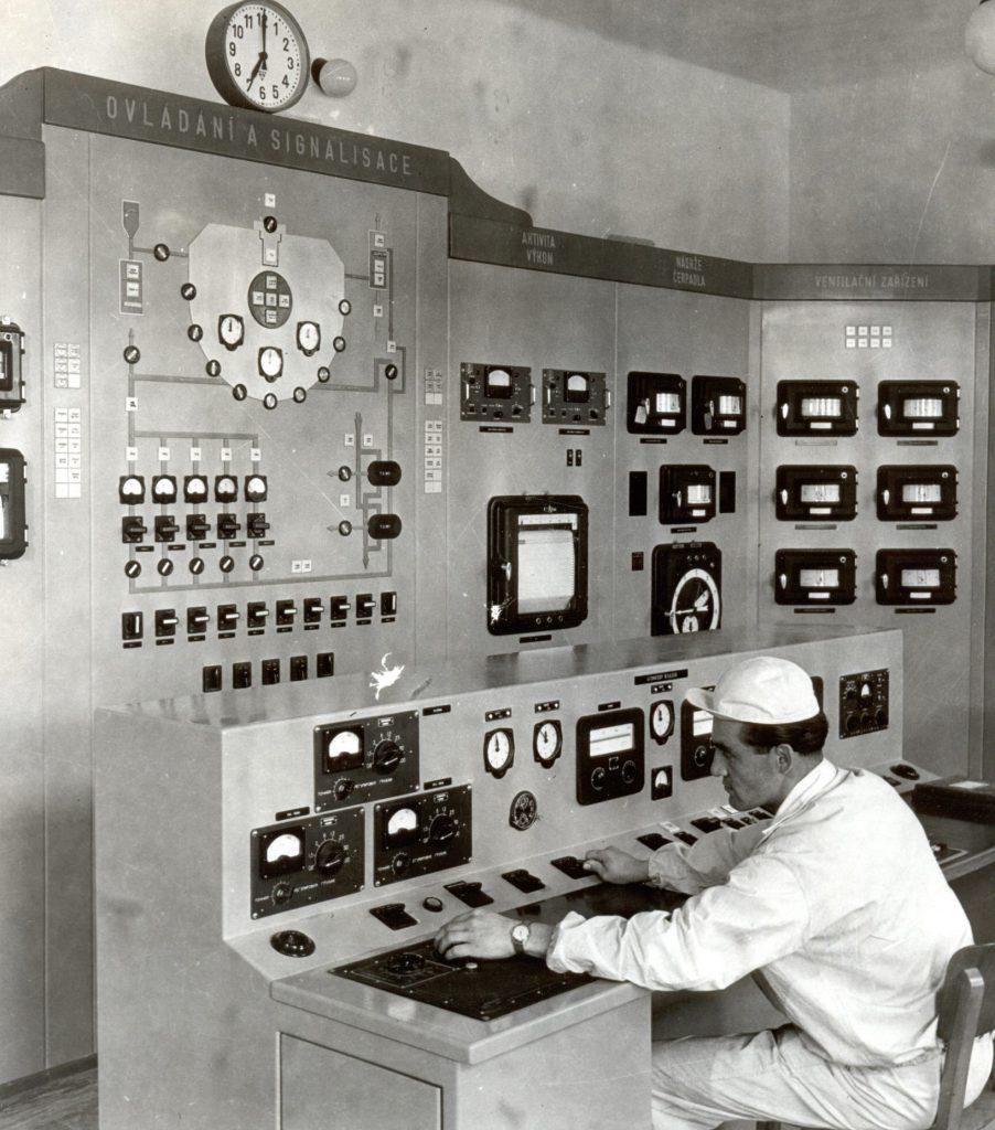 jaderná energie - Řež: 60 let od první jaderné reakce v ČSR - V Česku (VVR S 1957 operatorovna 05) 7