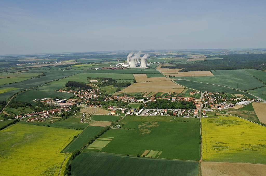 jaderná energie - Deník: Páty blok? Zrychlete, zní z obcí - Nové bloky v ČR (DSC0036 a 1024) 1