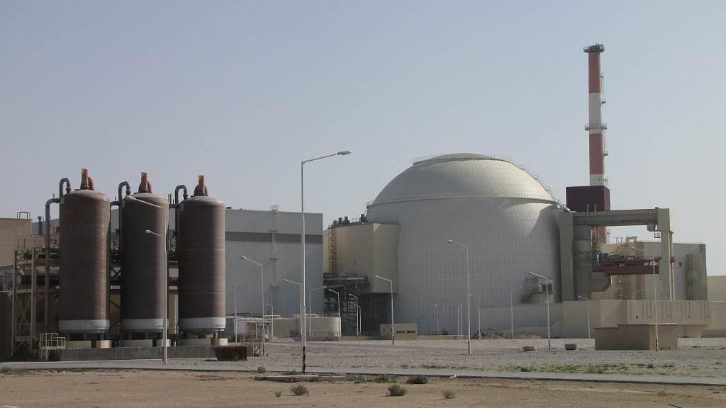 jaderná energie - Novinky: Otevřete se nám a české firmy budou pracovat na tři směny, slibuje íránský velvyslanec - V Česku (IMG 0043 11022010 1024) 1