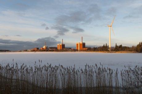 jaderná energie - Termín pro uvedení třetího bloku JE Olkiluoto do komerčního provozu byl opět přeplánován - Nové bloky ve světě (OK1 3 Jan Feb 2017 TVO 460) 3